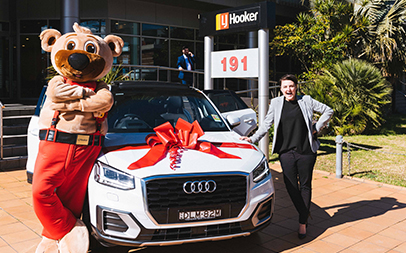 First week: future captain training, a new AUDI and Mr Hooker Bear